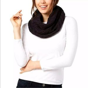 Under Armour Around Town Cable Knit Infinity Scarf